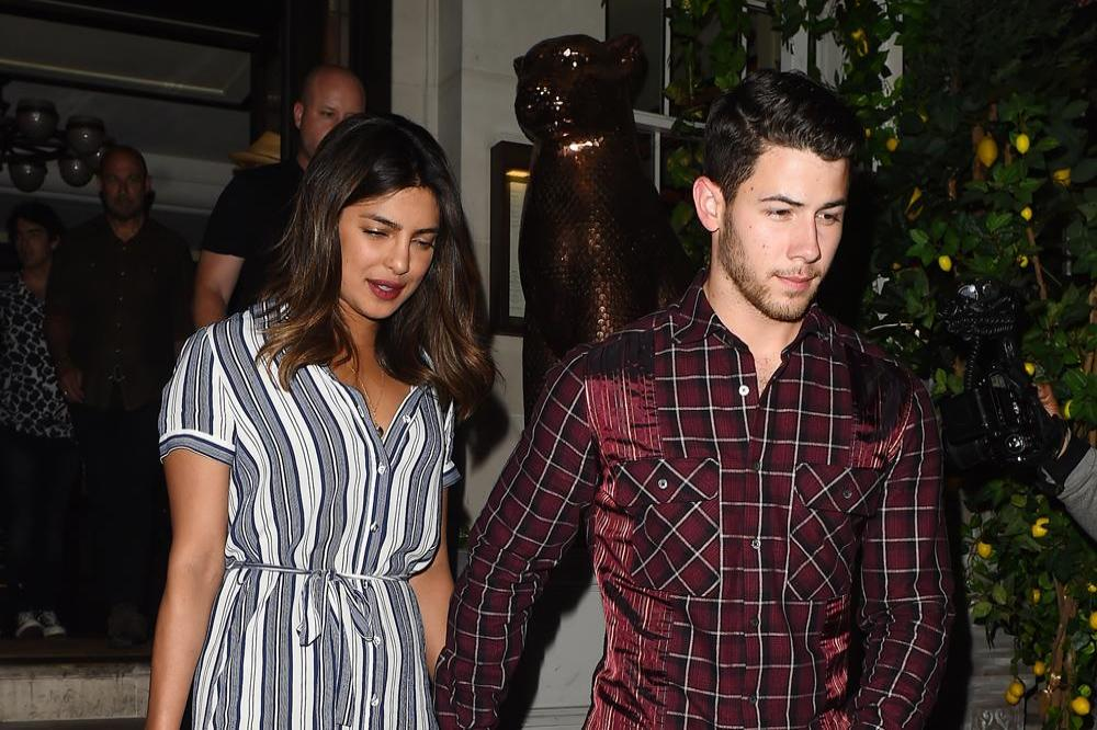 Priyanka Chopra & Nick Jonas all set for rumored December wedding