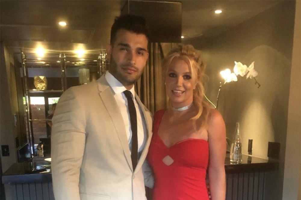 som är Britney Spears dating Engen sommar krok upp vinnarna