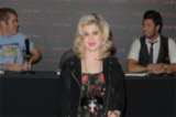 Kelly Osbourne raged on twitter about Delta