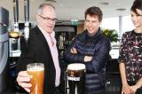 Tom Cruise with Guinness master Fergal Murray