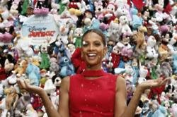 St Pancras Christmas Tree Unveiled By Alesha Dixon