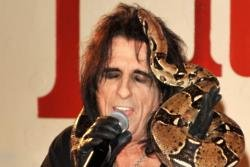 Alice Cooper's US gig under threat by noise-hating woman