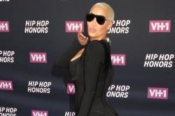 Amber Rose apologises to Julianne Hough