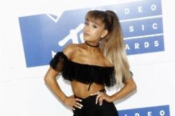 Ariana Grande: Women should support each other