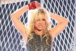 Britney Spears slams lip-syncing accusations