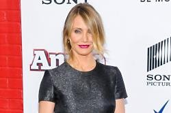 Cameron Diaz Calls Social Media A 'Crazy-Ass Experiment'