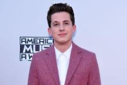 Charlie Puth has ended his feud with Justin Bieber