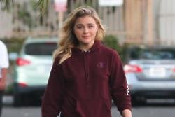 Chloe Moretz reports person selling cookies on her doorstep to the police