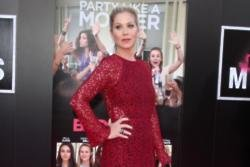 Christina Applegate has ovaries and fallopian tubes removed
