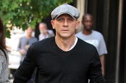 Daniel Craig Lashes Out at Fan