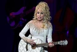 Dolly Parton: My mother sewed my toes back on