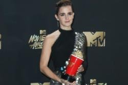 Emma Watson wins first ever genderless accolade at 2017 MTV Movie and TV Awards