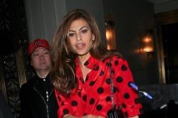 Eva Mendes doesn't want to embarrass daughter