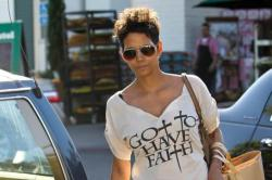 Halle Berry Selling Home