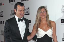 Jennifer Aniston and Justin Theroux party with George Clooney in Mexico