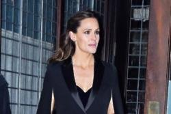 Jennifer Garner stalks people on Instagram