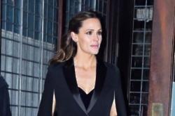 Jennifer Garner stalks people on Instagram