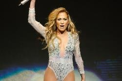 Jennifer Lopez got stitches in her leg after fall