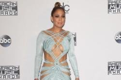 Jennifer Lopez Showed Off Hosting Talent At AMAs