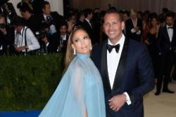 Jennifer Lopez tries not to put  'much pressure' on her relationship