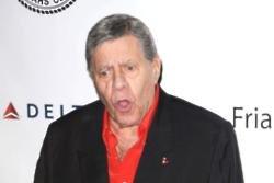 Jerry Lewis dies