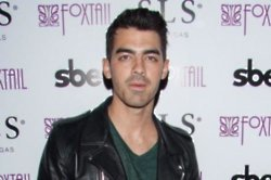 Joe Jonas lost his virginity to Ashley Greene