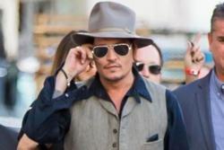 Johnny Depp makes controversial Trump joke