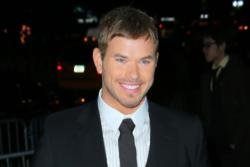 Kellan Lutz refuses to be naked
