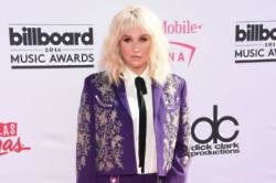 Kesha Received Standing Ovation After Billboard Performance
