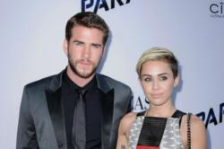 Liam Hemsworth begs Miley Cyrus to get back together
