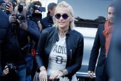 Paris Jackson warns viewers off show