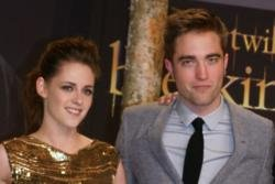 Twilight Saga auction to celebrate Eclipse anniversary