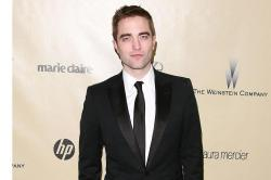 Robert Pattinson Spends Night with Friends after Kristen Stewart Split