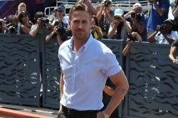 Ryan Gosling Loves Singing To Baby Daughter