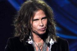 Steven Tyler Auditions for American Idol in Drag