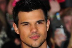 Taylor Lautner Discusses Twilight