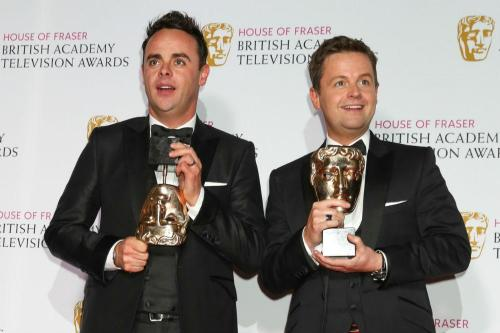 are ant and dec in a relationship