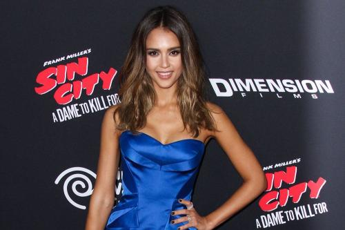 Jessica Alba Says She's A 'Real Prude'