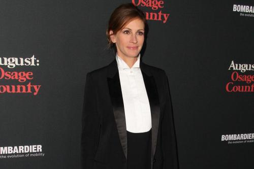 Julia Roberts still swoons over husband