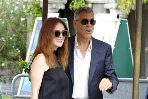 Julianne Moore doesn't want George Clooney as president