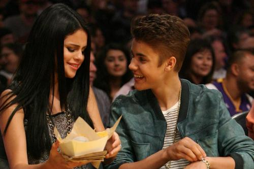 Justin Bieber and Selena Gomez back together?