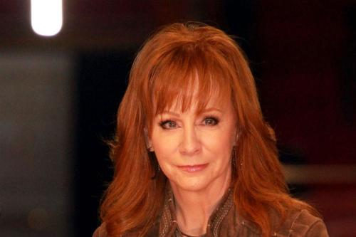 Reba mcentire is looking for love for How many kids does reba mcentire have