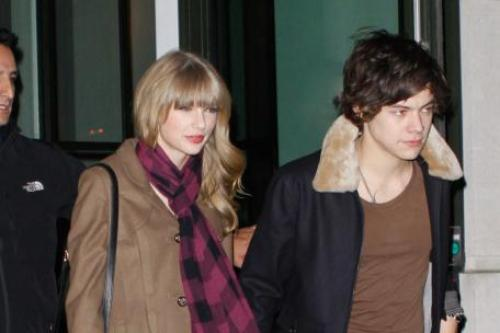 Harry Styles and Taylor Swift's New Year Kiss