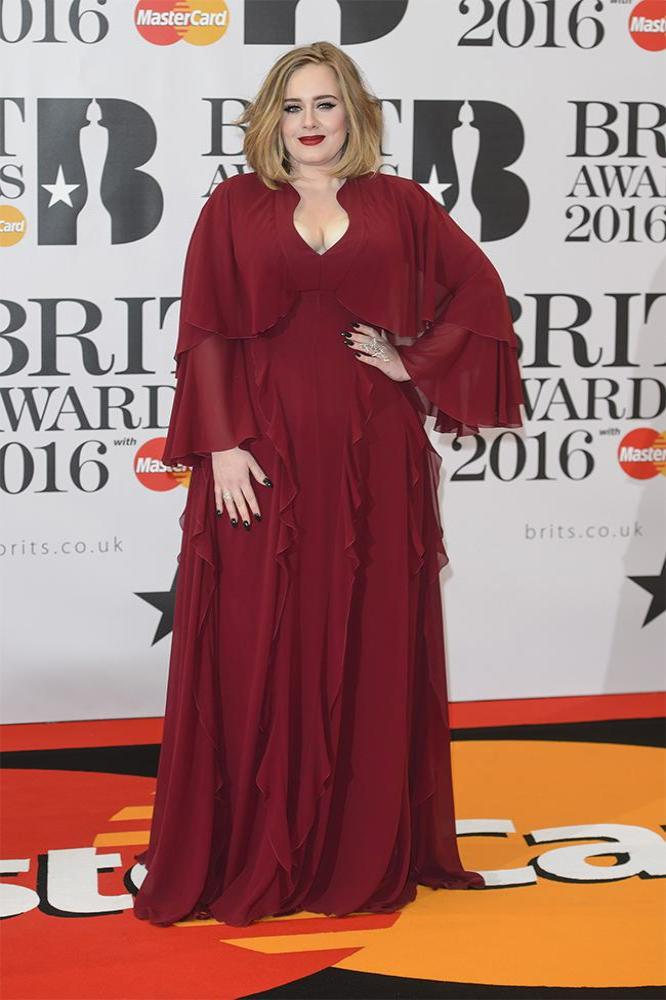 Adele to Wear Burberry on Tour