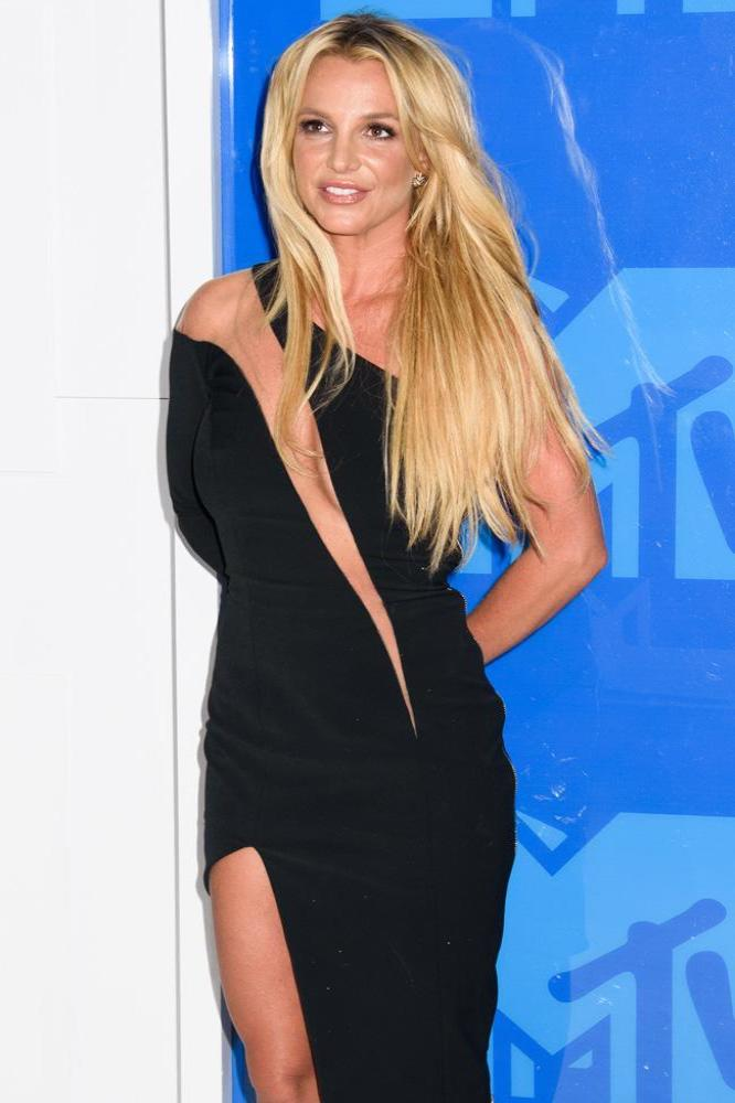 Dedication Honors Nude Britney Spears Giving Birth ...