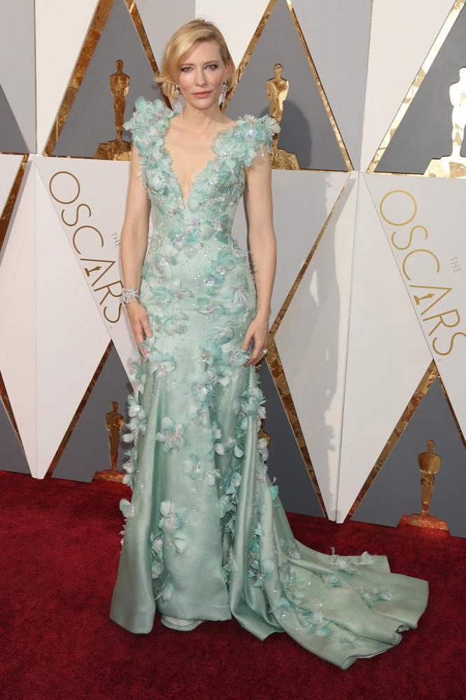 Cate Blanchett Stuns in Floral Frock At Oscars