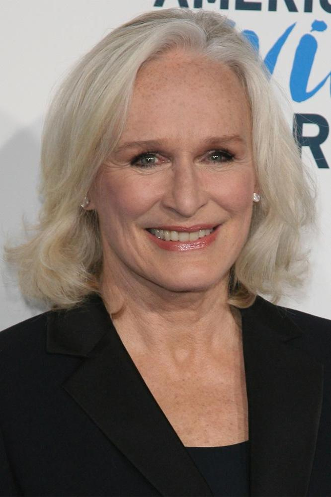 Glenn Close Auctioning Damages Wardrobe For Charity