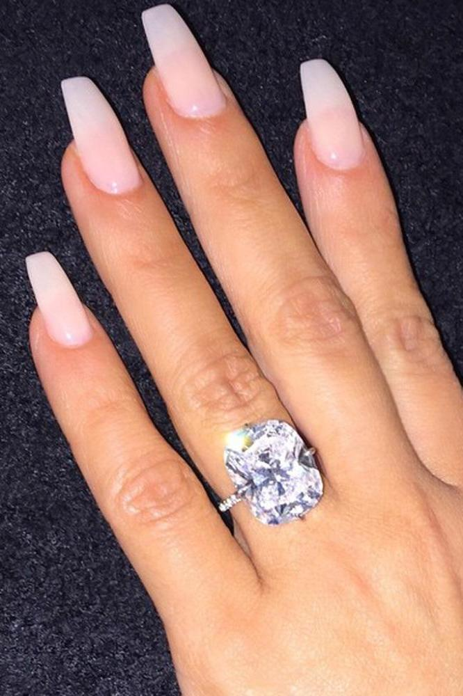 Kim Kardashian West Debuts New Nails