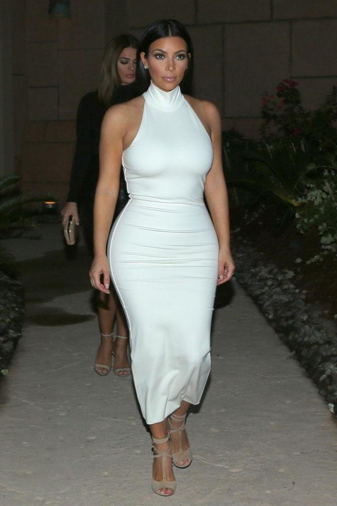Kim and kourtney kardashian nude pics