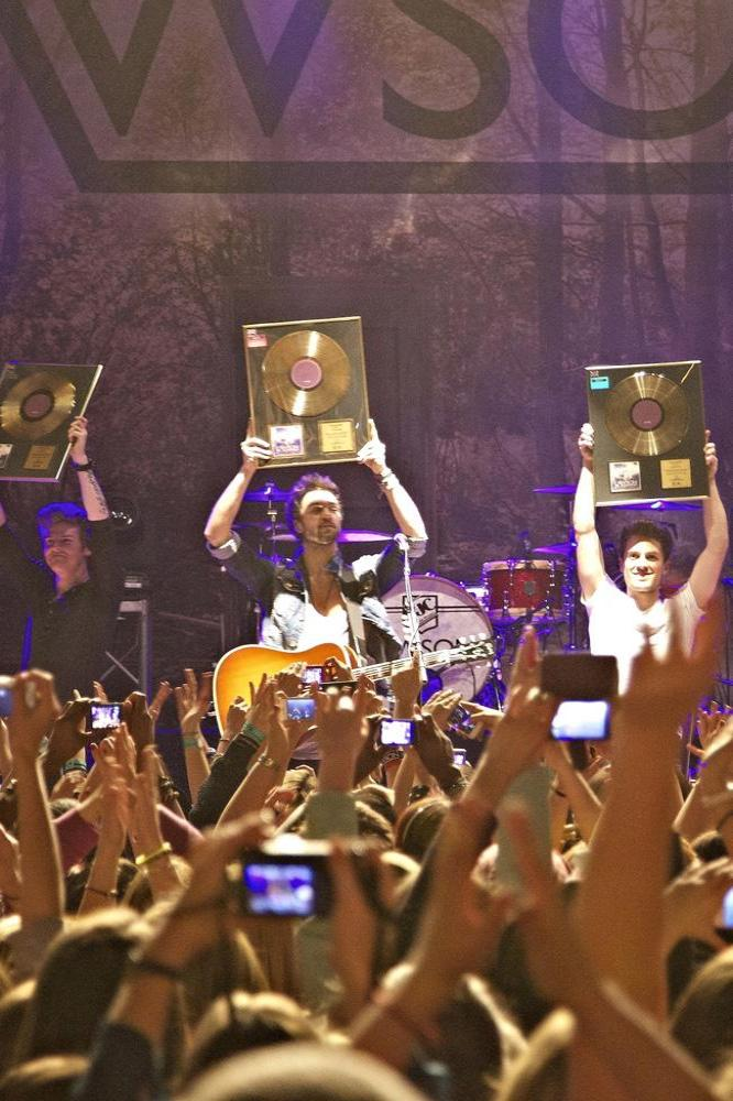 Lawson live with their gold discs
